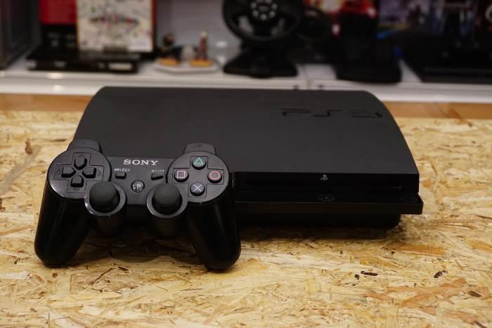 Sony PS3 játék konzol 300GB