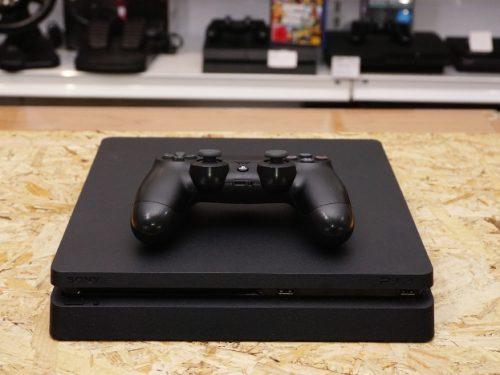 Sony PS4 500GB konzol